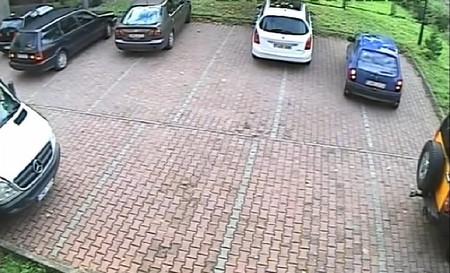Cómo no sacar un coche de la plaza de aparcamiento, por el amor de dios