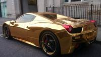 Un Ferrari cubierto…¡de oro!