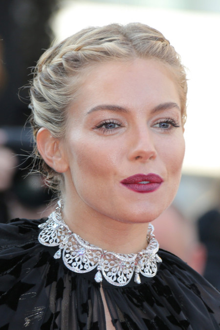 Me flipa tu recogido, Sienna Miller (o cómo triunfar en Cannes con un peinado perfecto)