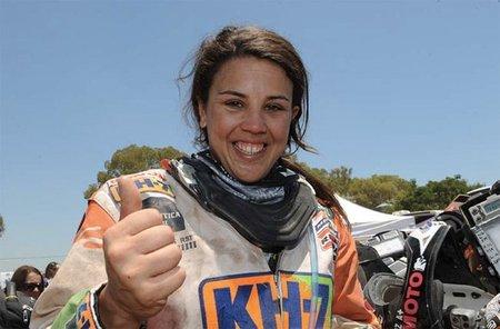 Laia Sanz al término de su primer Dakar