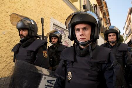 """""""Antidisturbios es una auténtica basura"""". Sindicatos policiales arremeten contra la serie de Movistar+"""