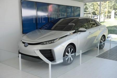 En California van a rifar, literalmente, el primer Toyota Mirai a hidrógeno