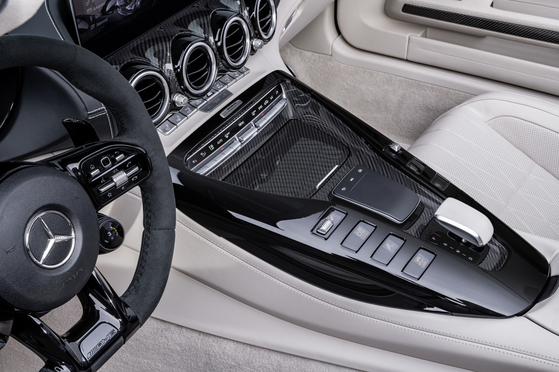 Foto de Mercedes-AMG GT R Roadster (28/29)