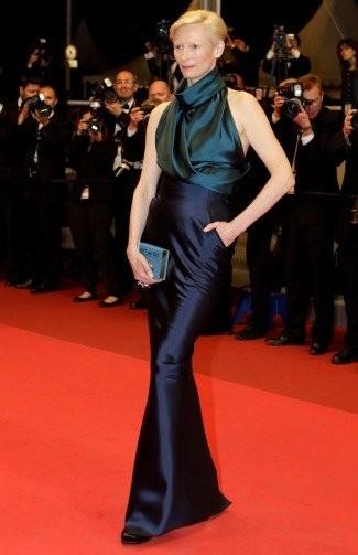 Bianca Balti y Tilda Swinton... ¿se puede ir más guapa (y recargada) en Cannes?