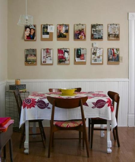 Una buena idea: coloca tus fotos en carpetas en la pared