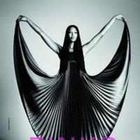 Pinko campaña Primavera-Verano 2012: La gran Naomi vuelve en escena