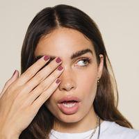 Hana Cross presenta la nueva colección beauty de Bershka y nos enseña a lograr el maquillaje perfecto para todas las ocasiones
