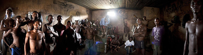 Entrevistamos a Fernando Moleres, ganador del Tim Hetherington Grant 2012 y tres veces galardonado en el World Press Photo