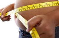 ¿Por qué acumulamos grasa en el abdomen? ¿Cómo reducirla?