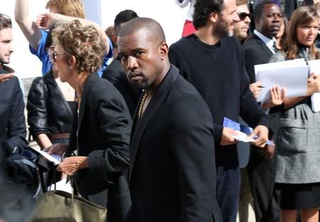 ¿Es que Kanye West no duerme nunca? Ahora anuncia el lanzamiento de su línea de maquillaje