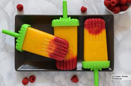 Polos de mango, plátano y frambuesa. Receta saludable