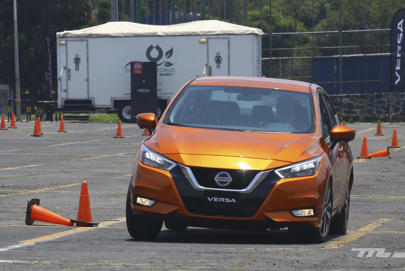 Foto de Nissan Versa 2020 (prueba) (16/28)