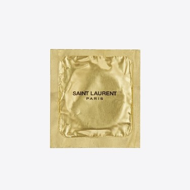 Saint Laurent ha diseñado los condones más elegantes del mercado para poner de moda el sexo seguro