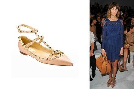 Los zapatos con tachuelas de Valentino ... en Zara. Y las bloggers ya los tienen