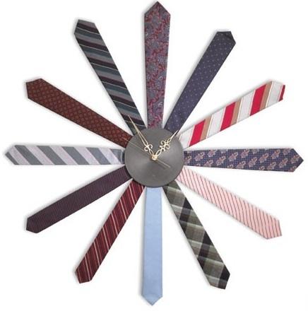 Tie clock, un reloj hecho con corbatas