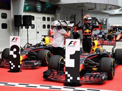 Victoria de Verstappen en el Gran Premio de Malasia. Vettel remonta desde la parte de atrás