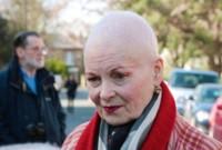 Vivienne Westwood se corta su melena pelirroja para protestar contra el cambio climático