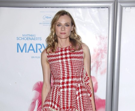 Diane Kruger estrena look de otoño con cuadros tartán