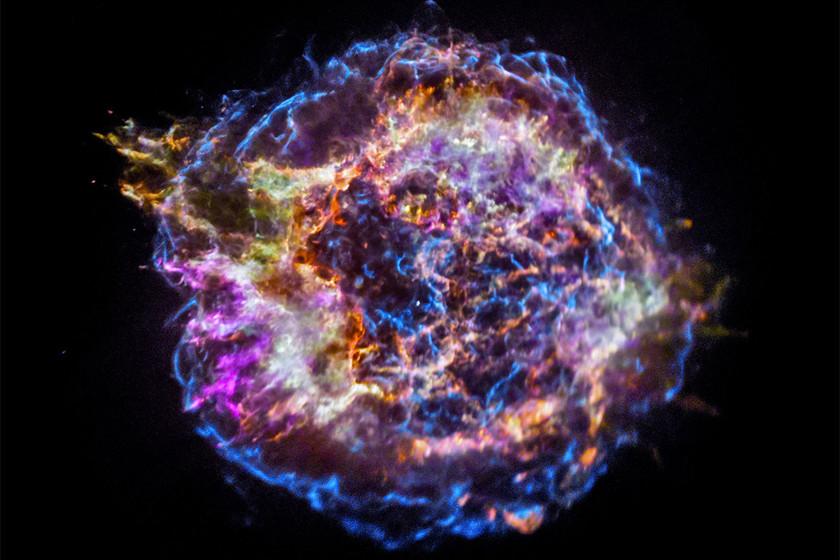 ¿Hemos cazado por primera vez el nacimiento de un agujero negro? 45 astrónomos creen que sí