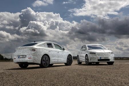 El SUV eléctrico Skoda Enyaq Coupé iV cada vez más cerca: llegará al mercado en 2022 con hasta 265 CV