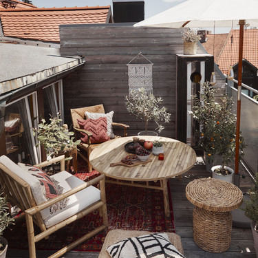 Trabajar en la terraza, balcón o jardín en verano: 11 ideas para crear tu oficina al aire libre