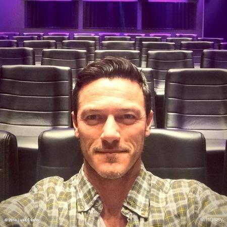 Dicen que este actor es el novio de Jon Kortajarena