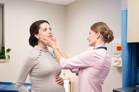 Tiroides y embarazo: por qué es importante controlarla durante la gestación