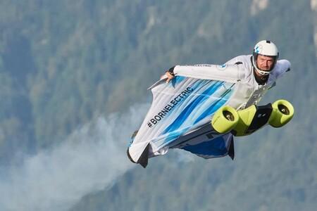 Aquí tenéis el primer traje de alas eléctrico del mundo y una nueva modalidad de deporte aún más extremo