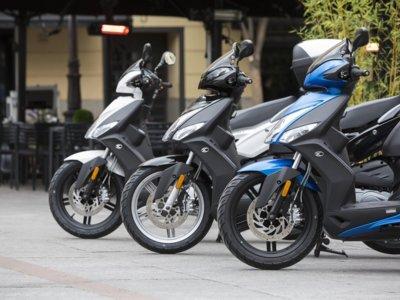 ¡El mercado de las dos ruedas revive! Con los scooter y la Kawasaki Z800 a la cabeza