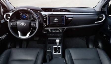 Toyota Hilux 2016 Interior