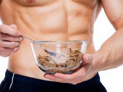 13 propuestas de snacks ricos en proteínas para ayudarte a ganar músculo