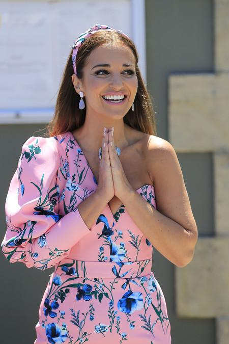 Paula Echevarría acapara todas las miradas en la primera comunión de su hija
