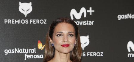 Paula Echevarría sorprende con una falda de Gucci valorada en 1.900 euros para presentar los nominados de los Premios Feroz