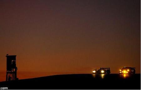 lms_oreca-aim-y-ferrari-al-anochecer-durante-los-1000-km-del-algarve.jpg