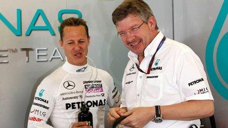 Ross Brawn cree que Michael Schumacher mejorará en 2011