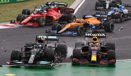 Lo que la FIA debe aprender de cómo Mercedes ha girado los mundiales de Fórmula 1 chocando contra Max Verstappen