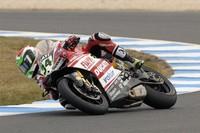 Davide Giugliano lleva a la Ducati al primer puesto en los test del WSBK de Jerez