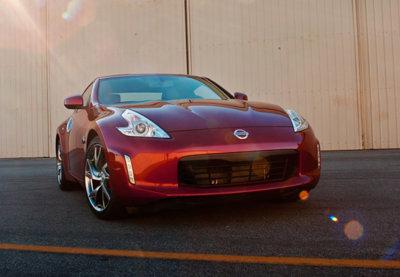 Si esperas al sucesor del Nissan 370Z, más vale que te pongas cómodo