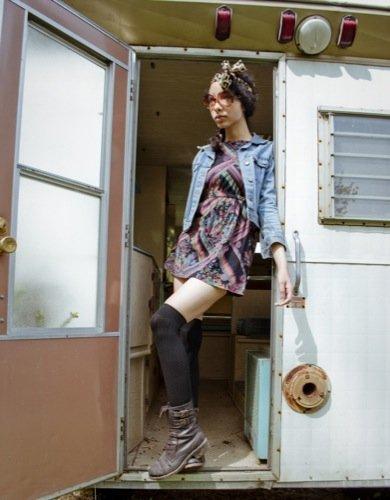 Streetstyle para ir a un festival de música con estilo: looks hippie