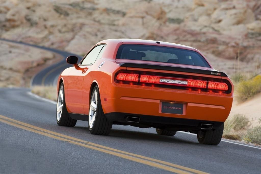 Foto de Dodge Challenger SRT8 (26/103)