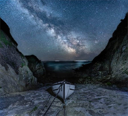 Ps 66052 9 Milky Way And Meteor At Porthgwarra C Jennifer Rogers