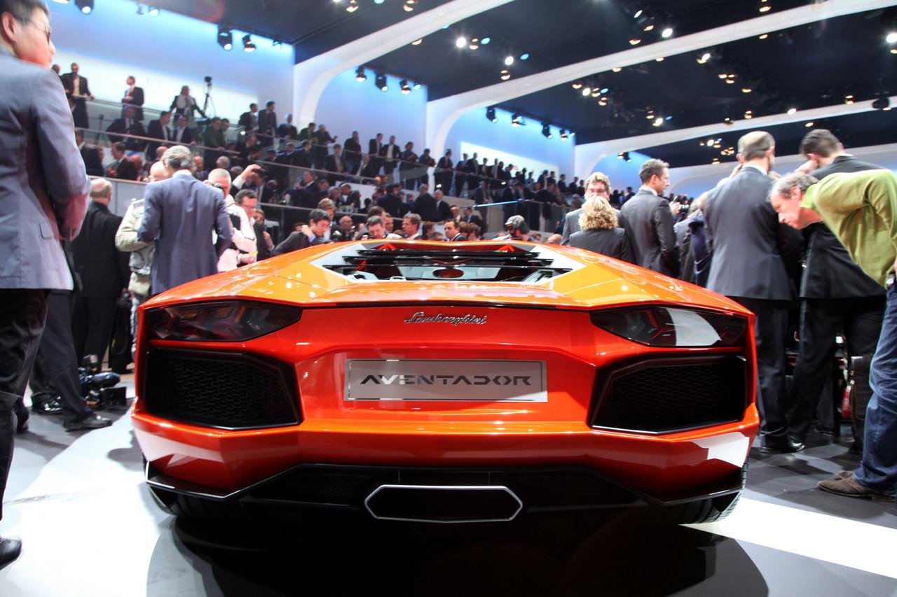 Foto de Lamborghini Aventador LP700-4 (32/62)