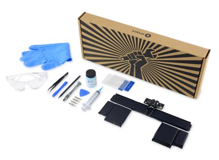 Apple prefiere que no lo hagas, pero iFixit ofrece kits para que cambies la batería de tu MacBook Pro