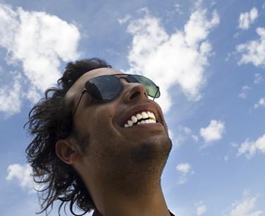 Dientes blancos, sonrisa de éxito