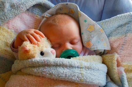 Envolver al bebé, no inmovilizarlo