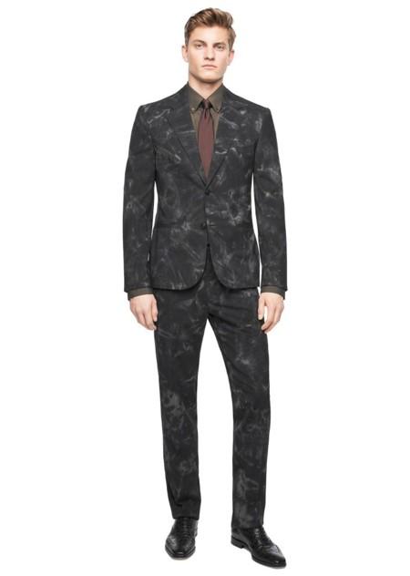 Versace hace del código formal algo trendy con su colección de trajes