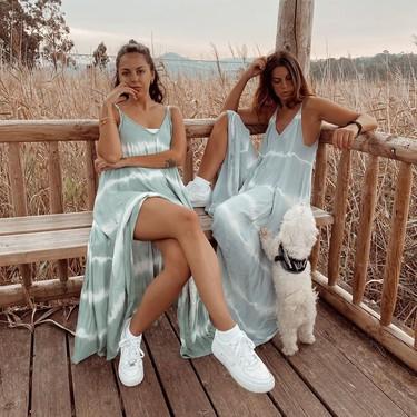 Los vestidos tie dye largos que triunfan en los puestos de la playa también están en Amazon y son lo más ideal del verano