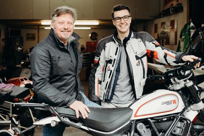 Este joven británico está dando la vuelta al mundo en moto para concienciar sobre los problemas de salud mental en hombres