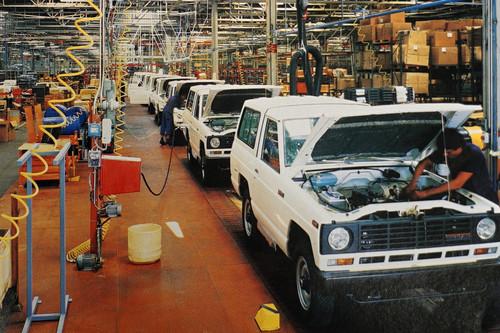 Del Nissan Patrol al eNV200 eléctrico: los coches más emblemáticos que ha fabricado Nissan en Barcelona desde 1983