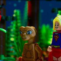 SuperGirl y E.T. tienen más en común de lo que parece en el nuevo tráiler de LEGO Dimensions